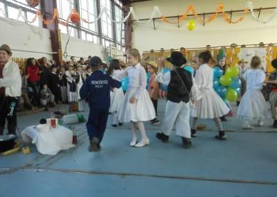 kiralyiskola_1_osztaly_farsang(15)