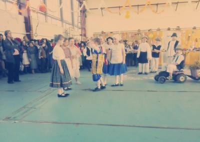 kiralyiskola_hu_farsang_2015_2_osztaly(10)