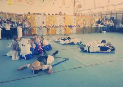 kiralyiskola_hu_farsang_2015_2_osztaly(8)